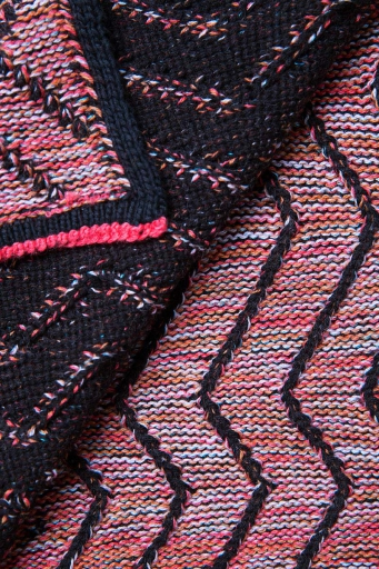 http://www.simonepost.nl/files/gimgs/th-53_detail-knit-textielmuseum-black-pink-red-simone-post.jpg