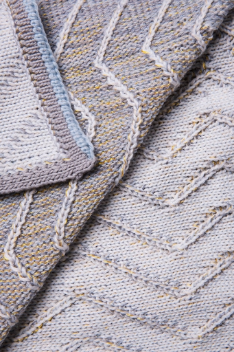 http://www.simonepost.nl/files/gimgs/th-53_Detail-knit-white-grey-textielmuseum-simone-post.jpg